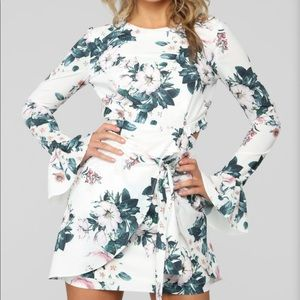 FashionNova Open Back Floral Dress Small